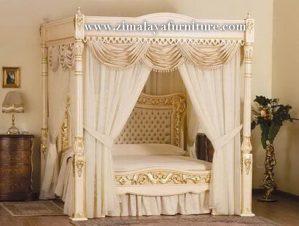 Tempat Tidur Pengantin