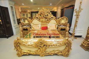 Tempat Tidur Full Ukir Warna Emas
