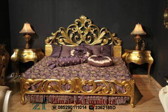Tempat Tidur Ukir Mahkota