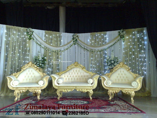 Kursi Pengantin Emas