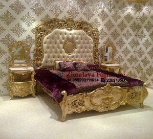 Tempat Tidur Ukir Ratu