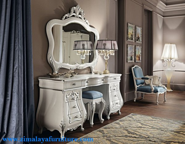 Meja Rias Putih Mewah