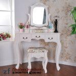 Meja Rias Warna Putih