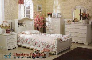 Tempat Tidur Anak Warna Putih Doff