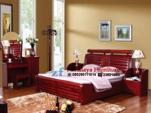 Tempat Tidur Minimalis Warna Merah