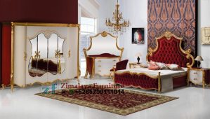 Set Tempat Tidur Warna Merah Emas