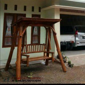 Kursi Ayunan Teras Rumah