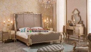 Tempat Tidur Klasik Warna Emas