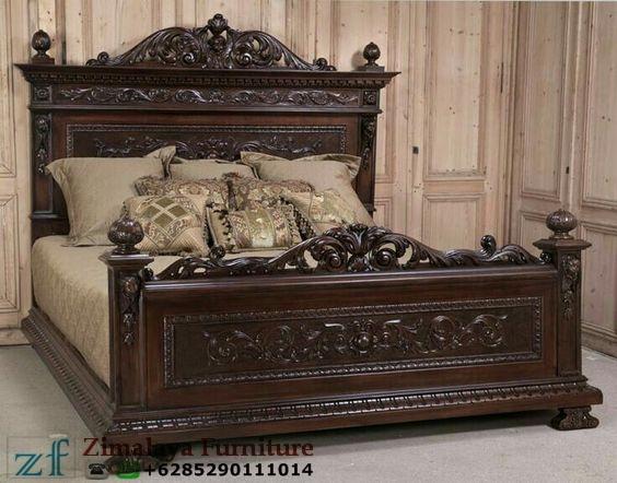 Tempat Tidur Ukir Klasik Jati